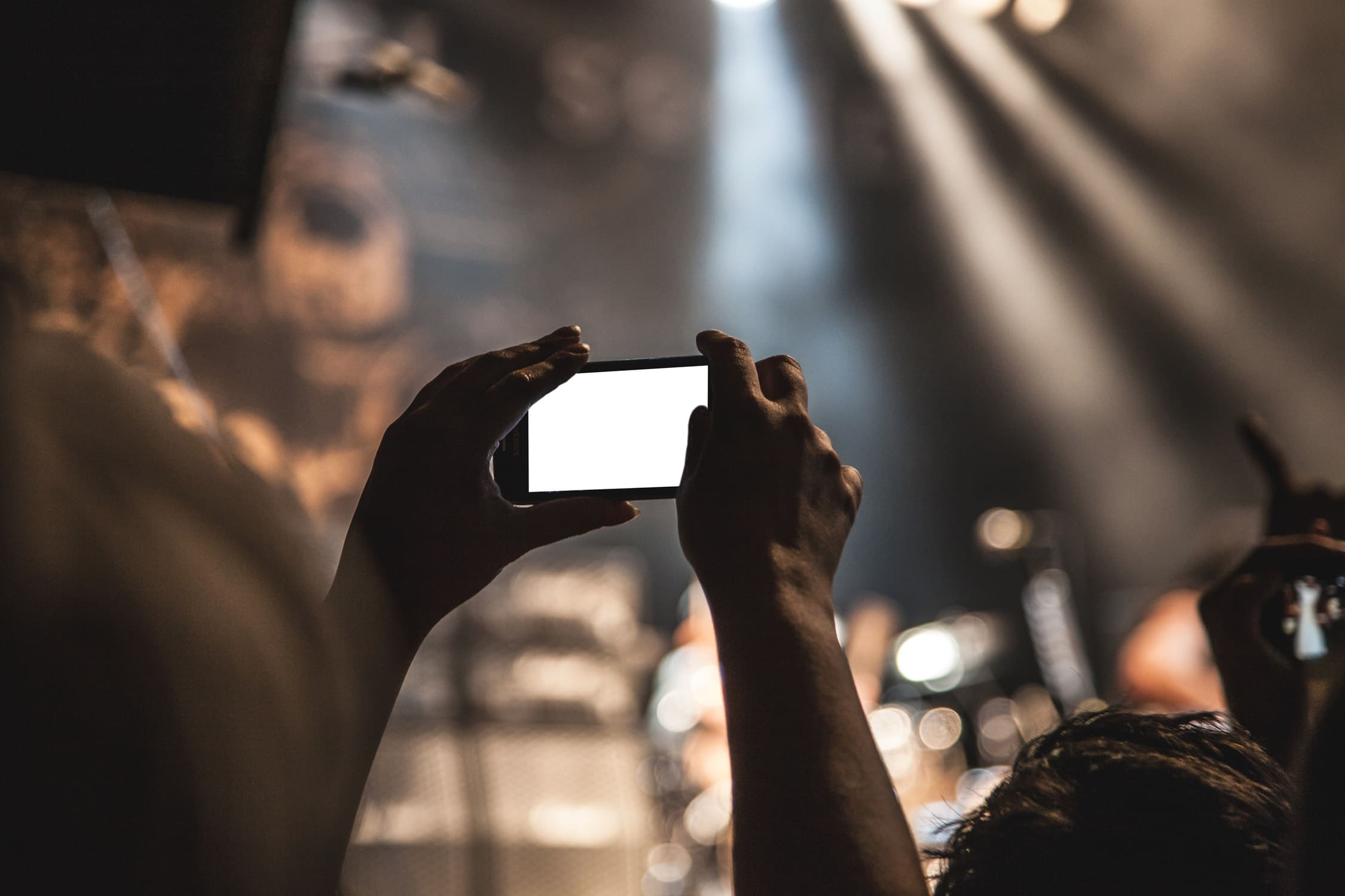 How to make effective use of live video on social media platforms